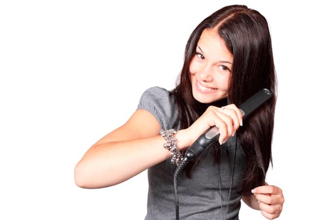 Consejos para el correcto uso de la plancha del pelo
