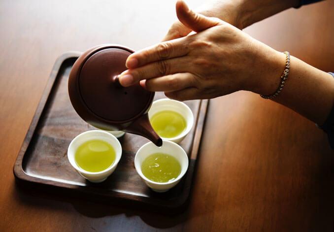 Té verde, remedio natural para proteger el pelo del frío