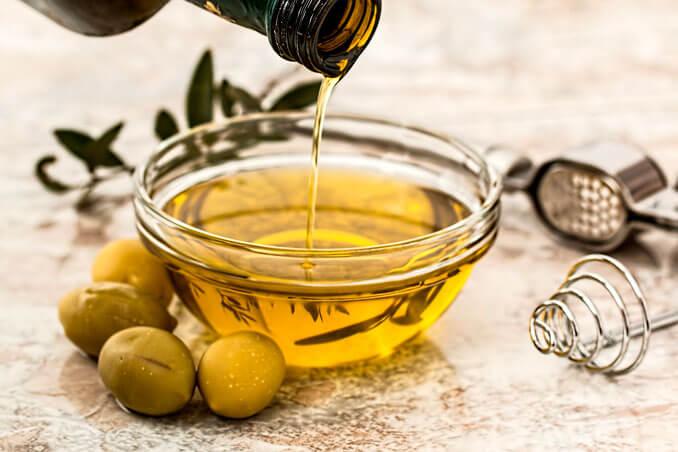 Aceite de oliva para evitar el efecto frizz