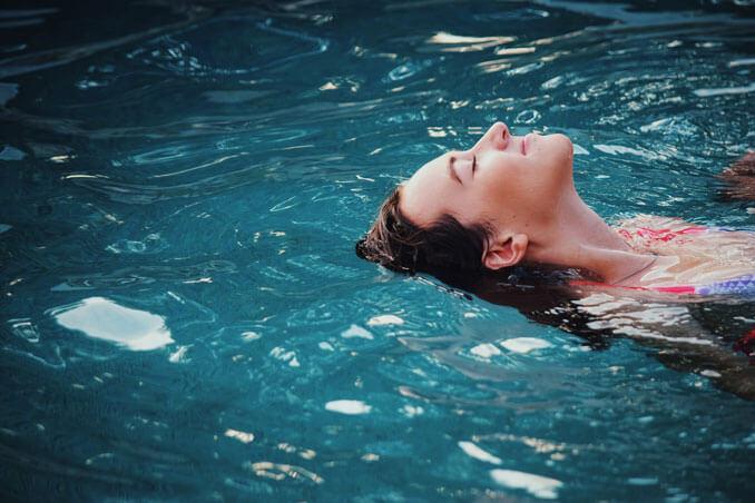 Consejos para proteger el cabello del cloro