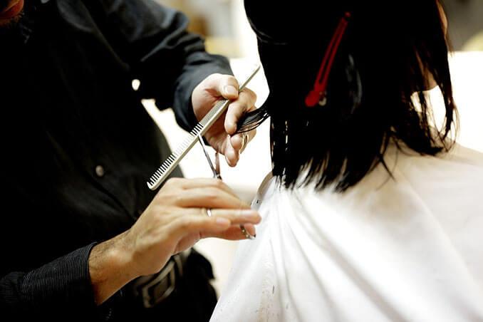 Cortar las puntas no acelera el crecimiento del cabello - El Círculo de la Belleza